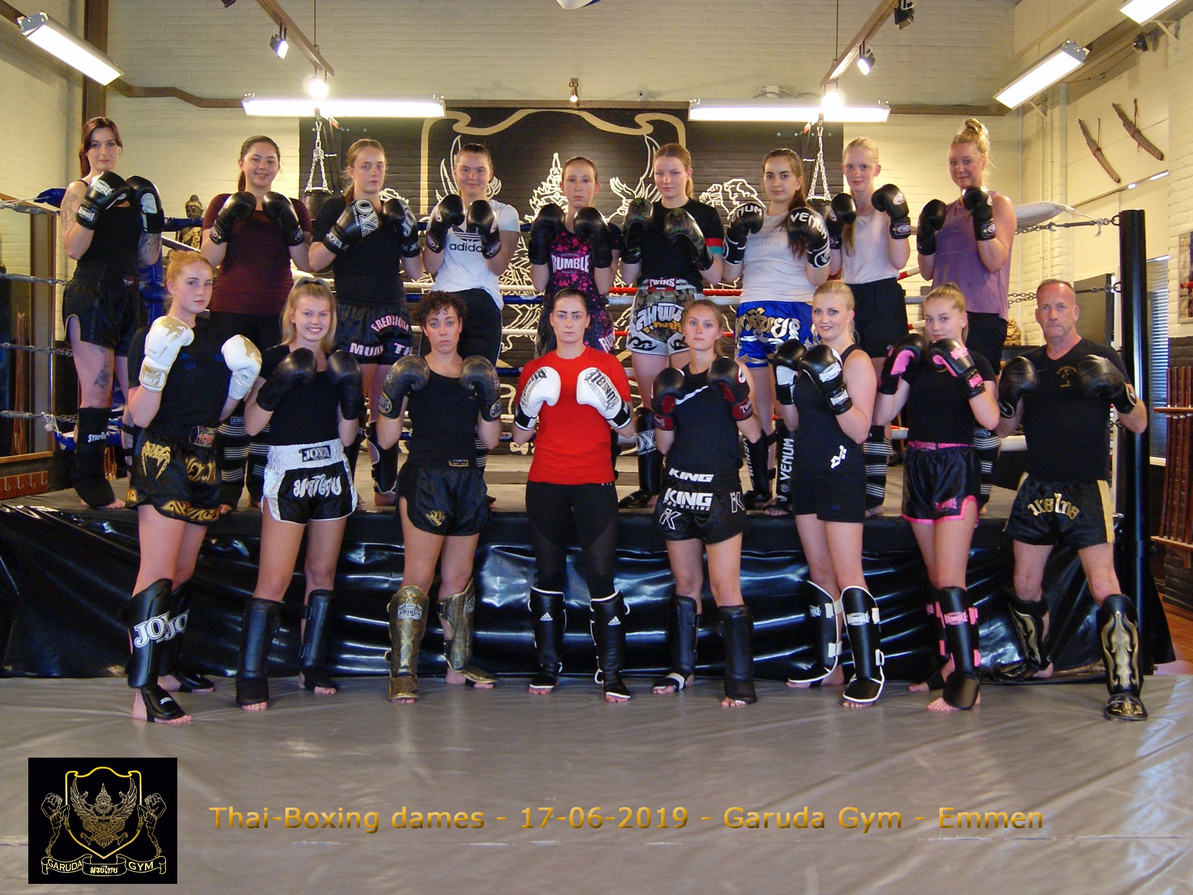 l DSC04355 - dames thai boxing